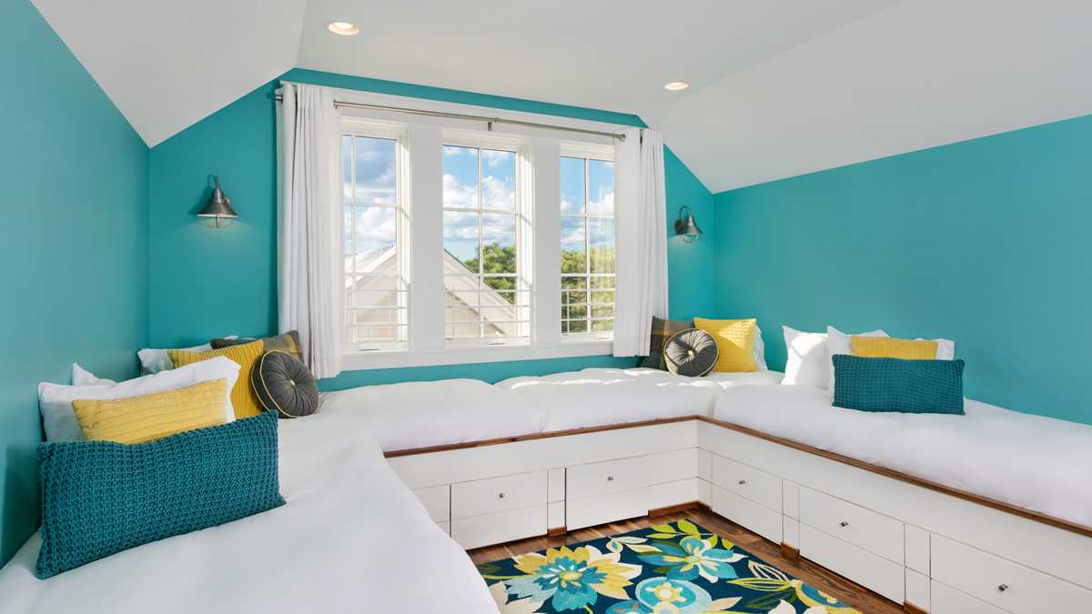 rosemarybeach-watercolor_resort-res-rainlily-bedroom6-uhd